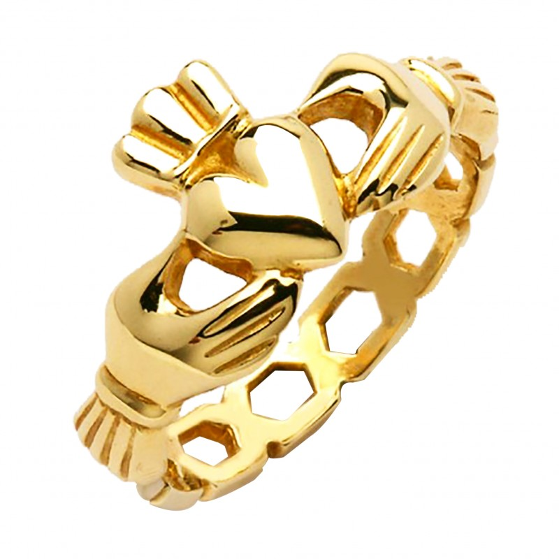 gold claddagh ring for